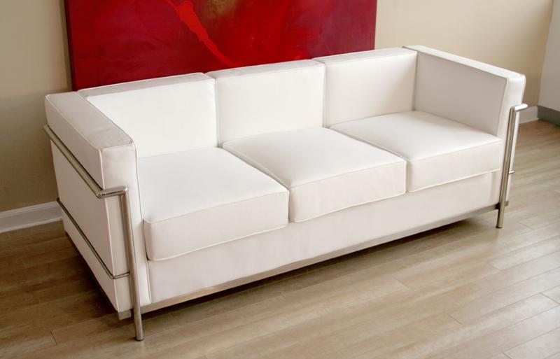 Wholesale interiors le corbusier petite white leather sofa for Le corbusier sofa nachbau