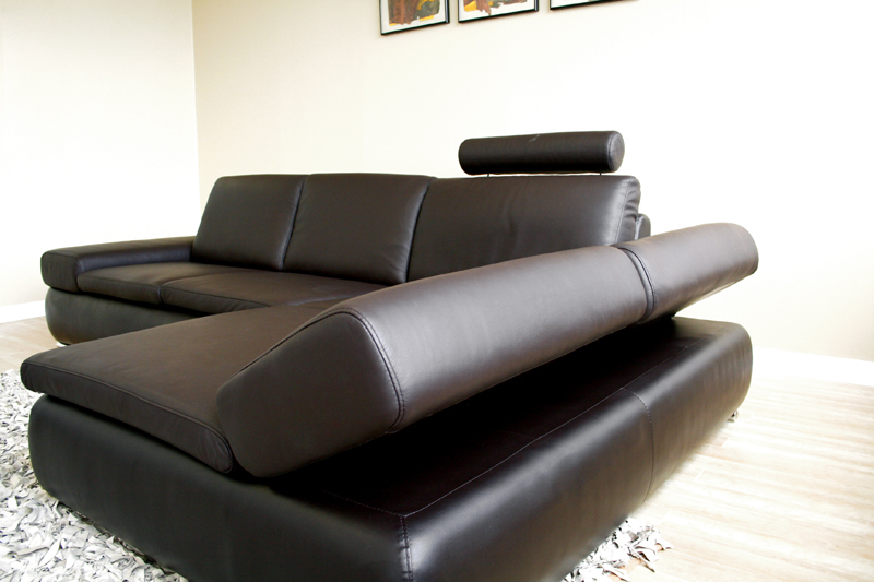 Wholesale interiors leather sofa sectional with chaise for Cheap leather sofas