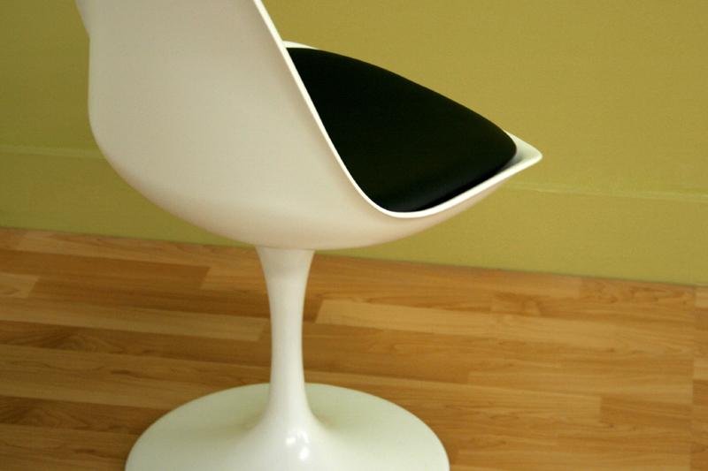 Wholesale Interiors White ABS Plastic Side Chair White DC 211B WHITE